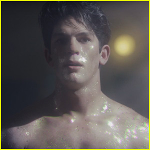 Rahart Adams Gets Shirtless & Sparkly in First Look 'Liar, Liar, Vampire' Trailer - Watch Now!
