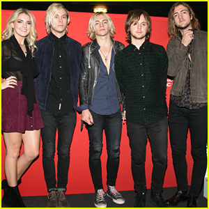 R5 visit venice before heading to paris for fan meet greet r5 visit venice before heading to paris for fan meet greet m4hsunfo