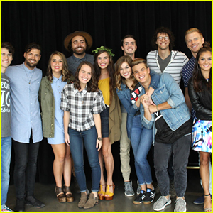 Sadie Robertson Sings 'Amazing Grace' With Packed Crowd At 'Live Original LIVE' Event
