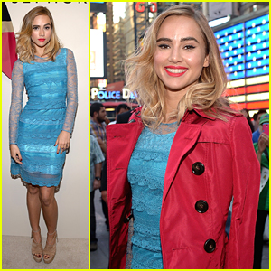Suki Waterhouse Launches Burberry Make-Up At Sephora In Times Square