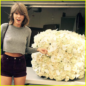 Taylor Swift Got Beautiful Flowers from Kanye West!