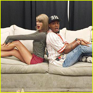 Taylor Swift & Todrick Hall Meet Backstage at Her Show After His Viral Video!