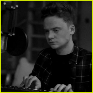 Conor Maynard Covers Adele's 'Hello' - Watch Now!