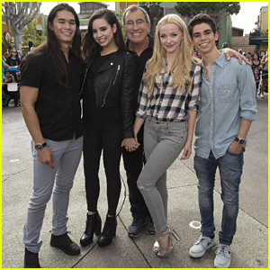 Dove Cameron & Sofia Carson Take Over Downtown Disney For 'Descendants' Fan Event