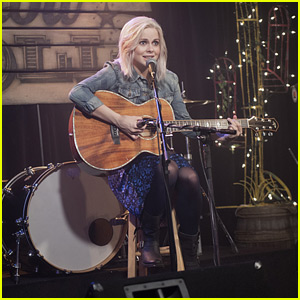 Liv Becomes a Country Singer on Tonight's 'iZombie'!