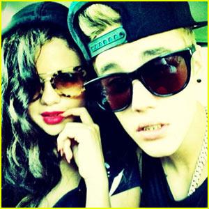 Selena Gomez & Justin Bieber Duet in
