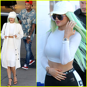 Kylie Jenner Wears Her Pale Green Wig Again