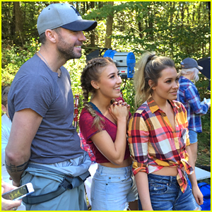 Maddie & Tae Share Exclusive Pic From 'Shut Up & Fish' Music Video
