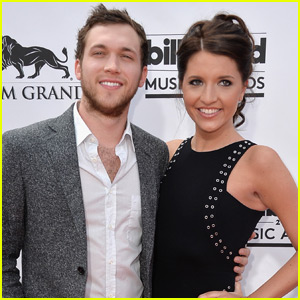 Phillip Phillips Ties The Knot With Longtime Love Hannah Blackwell!