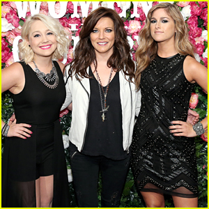 RaeLynn & Cassadee Pope Perform With Martina McBride At Pandora's Women In Country Concert