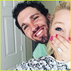 Country Singer RaeLynn is Engaged to Boyfriend Joshua Davis!
