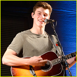 Shawn Mendes Plays Pop Up Show On Top of Radio City's Marquee For 'Handwritten Revisited' Album