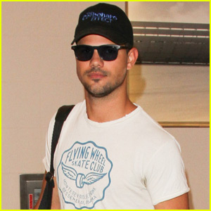 Taylor Lautner Flies to Nashville to Attend Football Game With Tim ...  Taylor Lautner