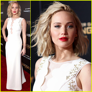 Jennifer Lawrence Arrives in Style to 'Mockingjay' LA Premiere!