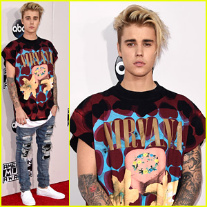 Justin Bieber Hits the American Music Awards 2015 Red Carpet!