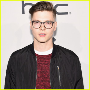 Listen to Singer Kevin Garrett's Beautiful New Song 'Refuse'!