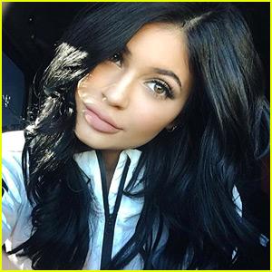 Kylie Jenner's Lip Kit Site Crashed Seconds After Going Live!