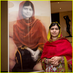 Malala Yousafzai Unveils Official Portrait in England
