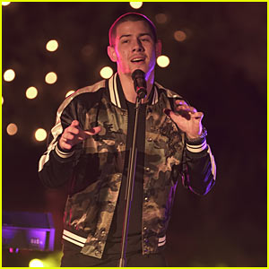 Watch Nick Jonas Perform at 'Malibu Mansion Live' Ahead of American Music Awards Performance (VIDEO)