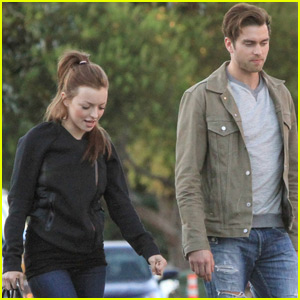 Pierson Fode Grabs FroYo With Francesca Eastwood!