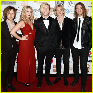 R5 Supports Riker Lynch As He Hosts World Choreography Awards 2015