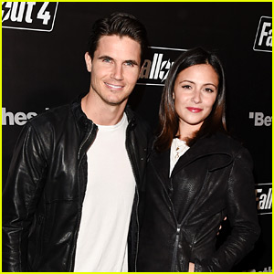 Robbie Amell & Italia Ricci Couple Up for Video Game Launch!
