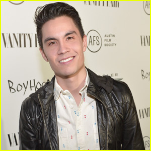 Sam Tsui Covers All Of Adele's '25' in Four Minutes