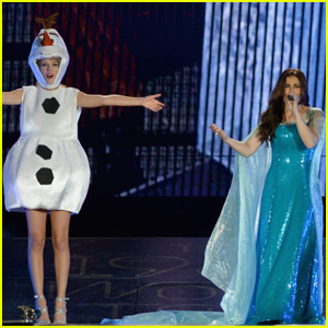 Taylor Swift Dresses as Olaf While Singing 'Let It Go' With Idina Menzel - Watch Now!