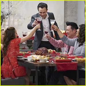 'Young & Hungry' Celebrates The Holidays On Tonight's Special Ep!