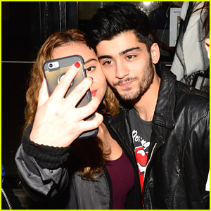 Zayn Malik Meets Fans In New York City Just As One Direction Is Set To Drop New Album