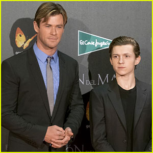 Tom Holland Joins Fellow Marvel Star Chris Hemsworth at 'In the Heart of the Sea' Premiere!