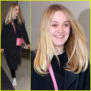 Dakota Fanning Keeps it Simple While Arriving at LAX