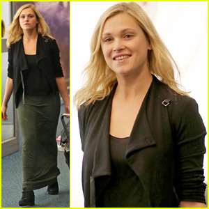 Eliza Taylor Heads Back to Vancouver to Continue 'The 100' Filming