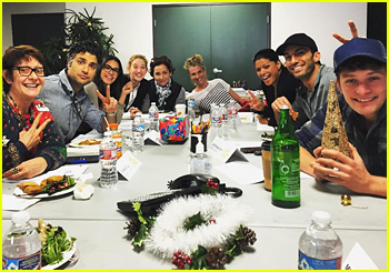 'Jane The Virgin' Cast Sends Heartwarming Christmas Message From Last Table Read of the Year
