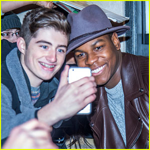 John Boyega Crashes 'Star Wars' Screenings in NYC - Watch Now!