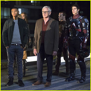 Travel Back in Time With 'DC's Legends of Tomorrow' Trailer - Watch Now!