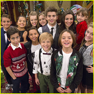 Kira Kosarin, Sydney Park & Brec Bassinger Celebrate The Holidays With Nickelodeon This Weekend!