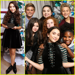 Rowan Blanchard Hangs With Friends at Nintendo's Winter Wonderland Event!