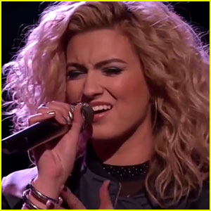 Tori Kelly Belts Out 'Hollow' on 'The Voice' with Contestant Jeffrey Austin!