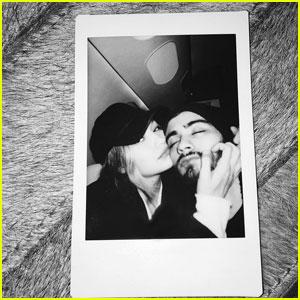 Zayn Malik & Gigi Hadid Get Cozy in New Instagram Pic!