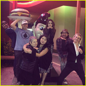 The 'Austin & Ally' Cast Reunites at Dinner Before the Big Finale!