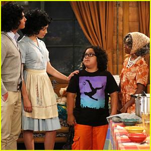 Emma & Xander Dress Up Like Jorge's Parents On Tonight's 'Bunk'D'
