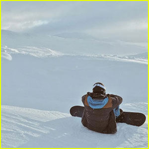 Cody Simpson Travels to Norway to Snowboard!