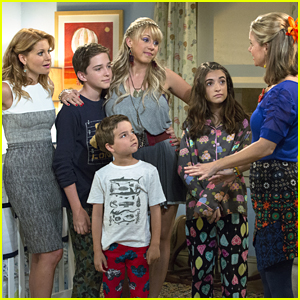 See Soni Nicole Bringas As Ramona Gibbler In First Look 'Fuller House' Pics!