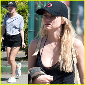 Immy Waterhouse & Sister Maddi Take A Break From The Barbados Beach