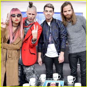 Joe Jonas & DNCE Get Their Own Matthew 'McConaugh-Cake'