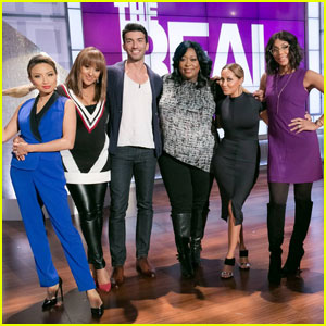 Jane the Virgin's Justin Baldoni Stops By 'The Real'