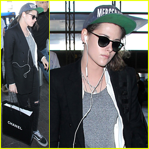 Kristen Stewart Flies Away From LA After Honoring Jillian Dempsey