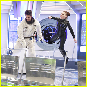 'Lab Rats' Head To Space On Tonight's Show - See Exclusive Pics!