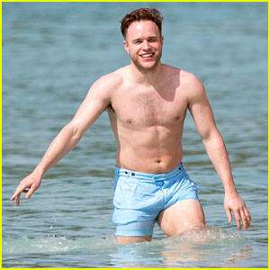 Olly Murs Hits the Beach With Buddies in Barbados